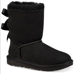 UGG Bailey Bow lI Black Short Suede Boot Bow